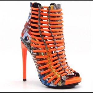 Brand new. Never worn Luichiny 4.5 inch heels